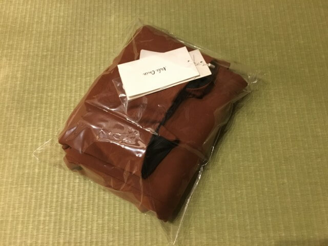 メルカリ,やや厚手洋服,梱包方法