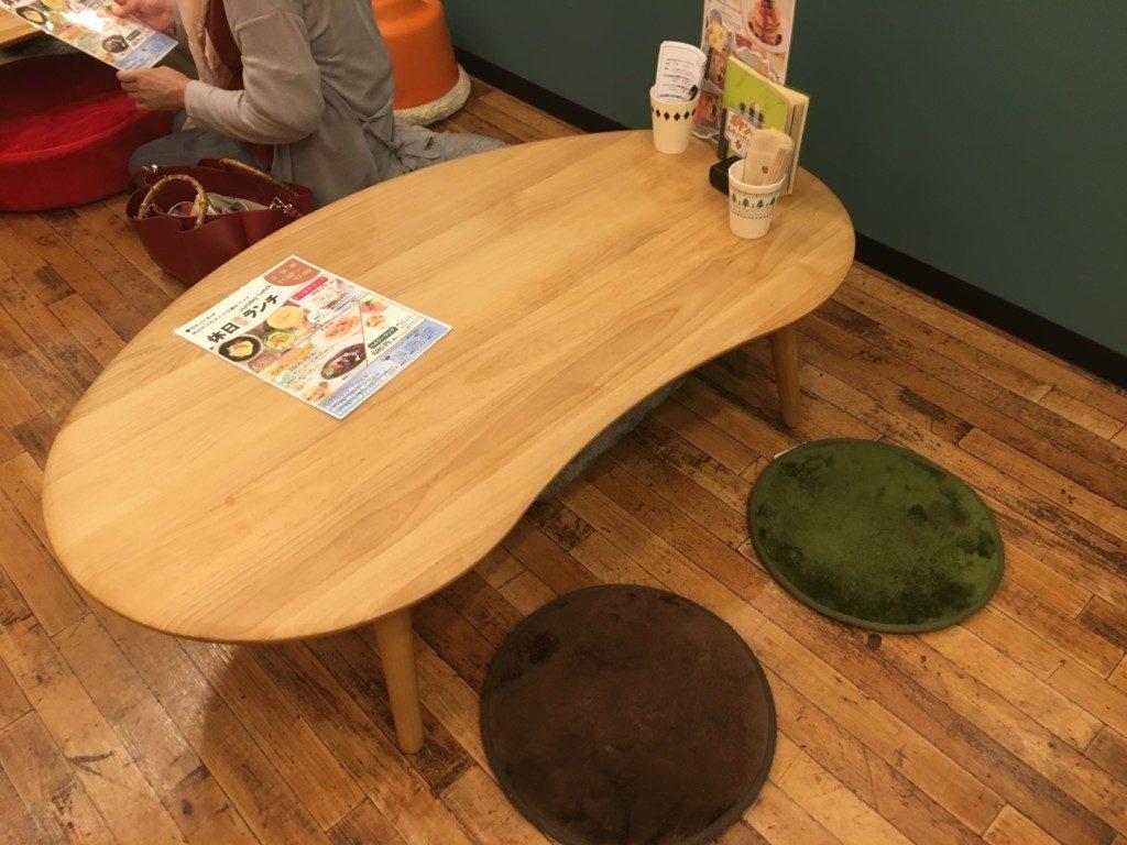ベリーベリースープ(フジグラン松山店),キッズルーム,テーブル