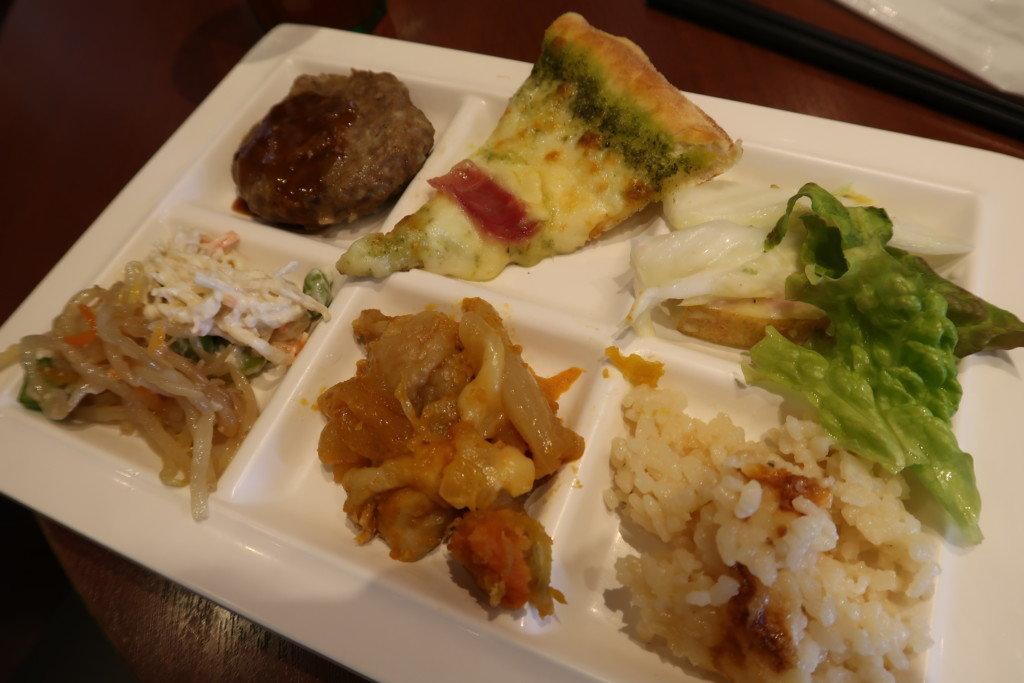 太陽のごちそう(エミフルMASAKI)の料理を実食