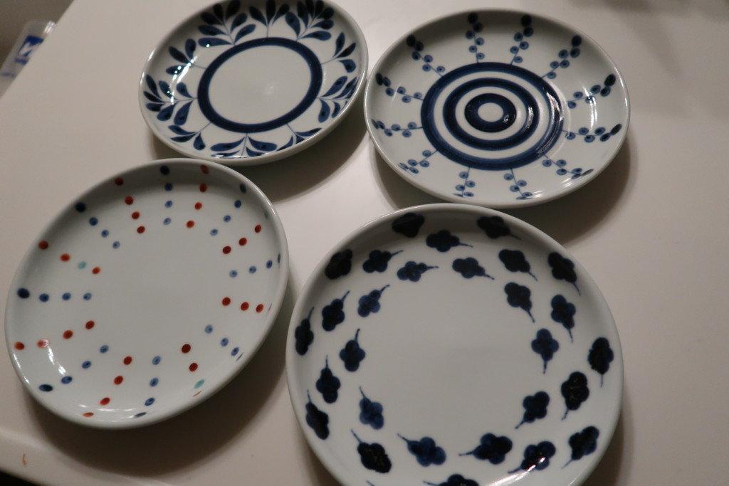 砥部焼の平皿4枚