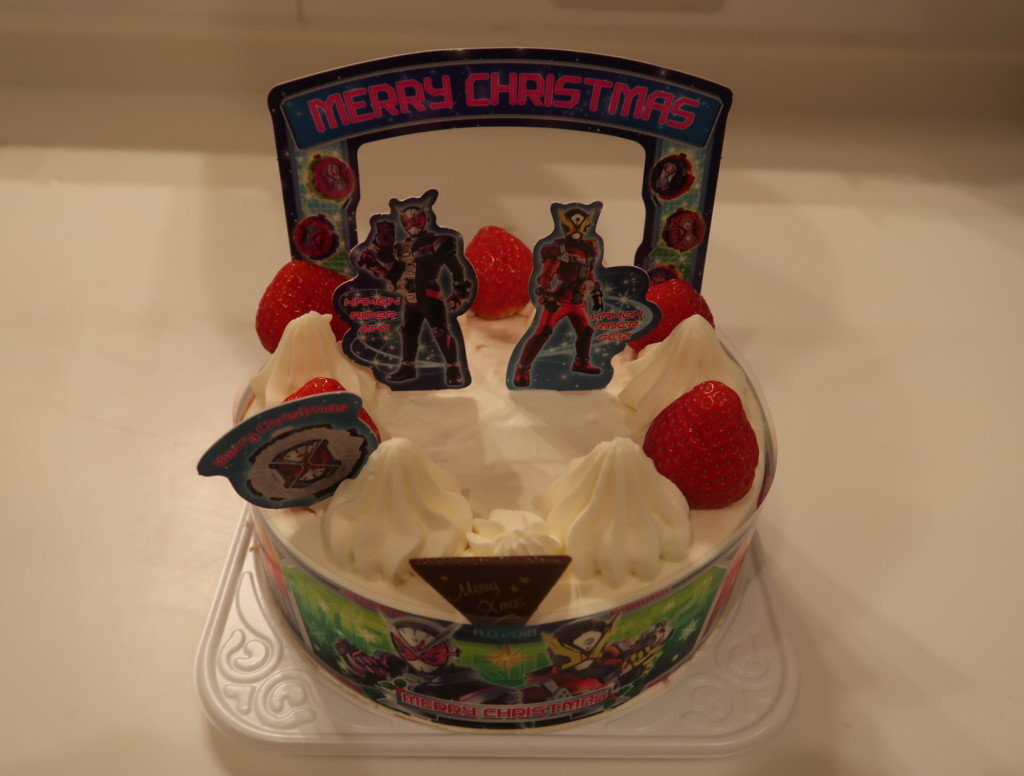 キャラデコクリスマスケーキを飾り付けた後,完成したケーキ