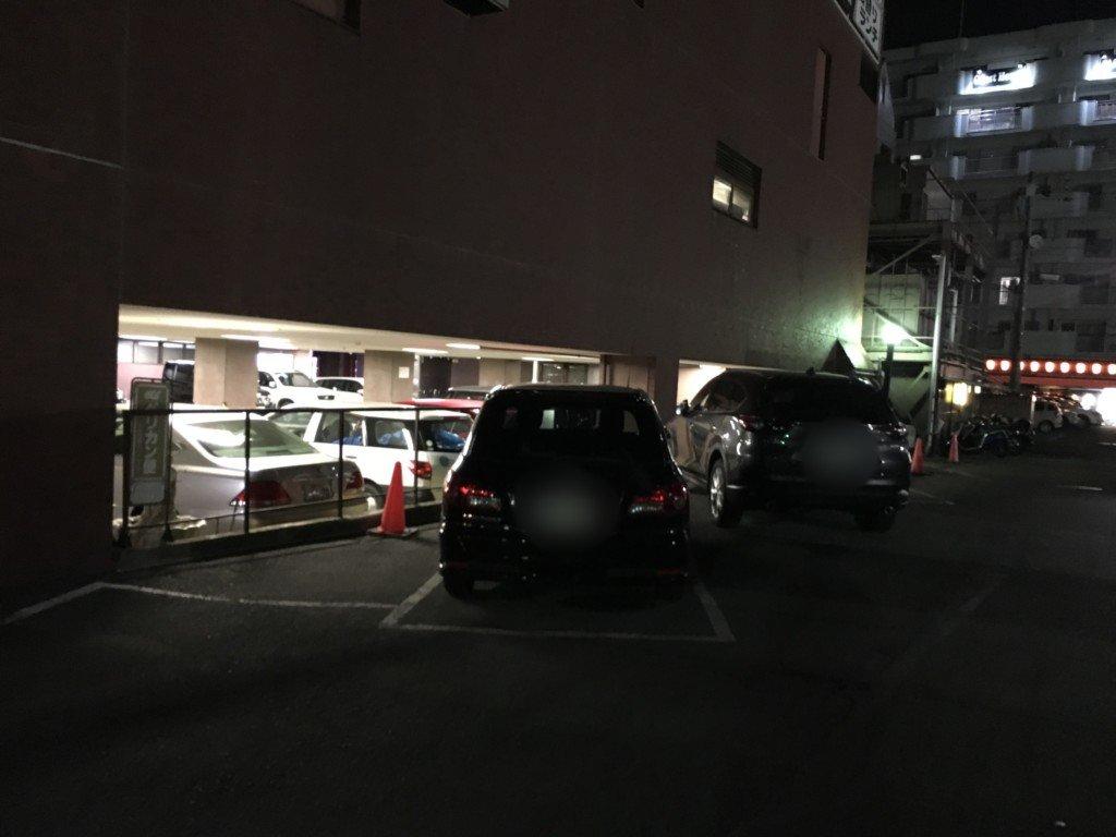 ホテルサンルート松山の駐車場