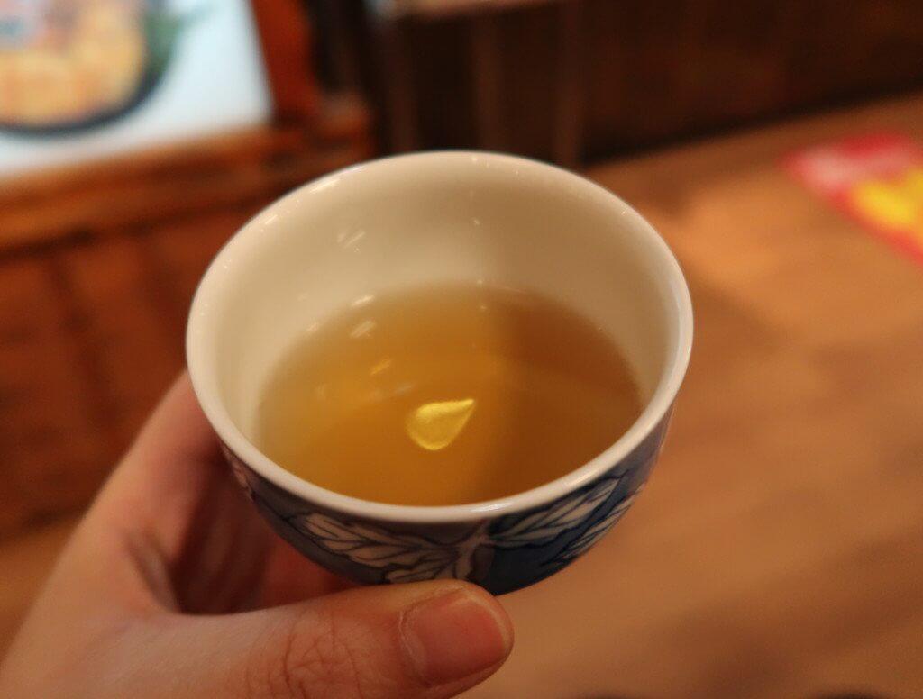 寺子屋本舗(道後店)の無料のお茶