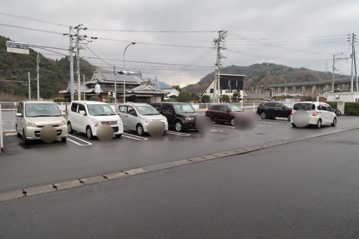 母恵夢スイーツパークの駐車場
