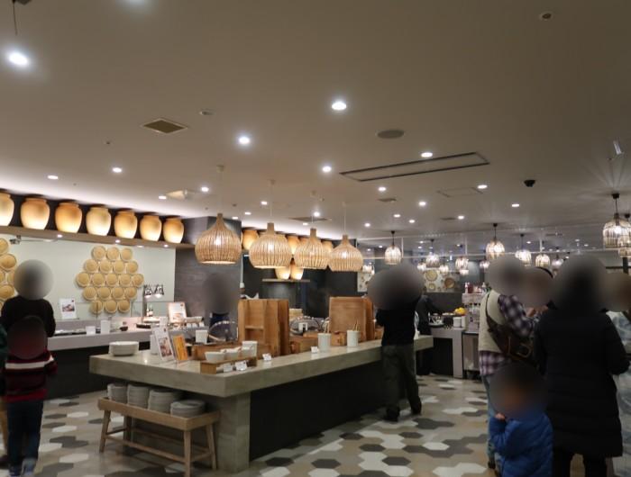 亀の井ホテルバイキング『別府ボールドキッチン』の店内の雰囲気
