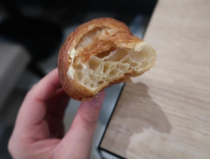 亀の井ホテルバイキング『別府ボールドキッチン』のパンの断面