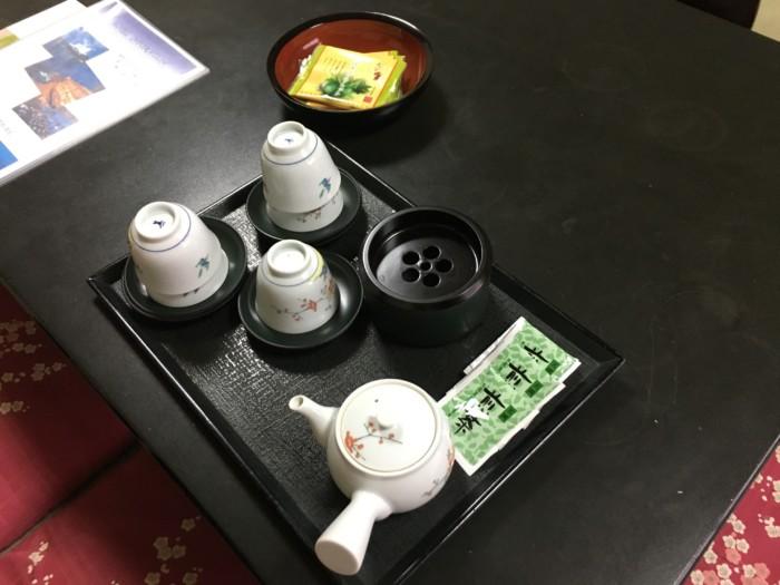 ホテル&リゾーツ別府湾の客室内のお茶とお菓子