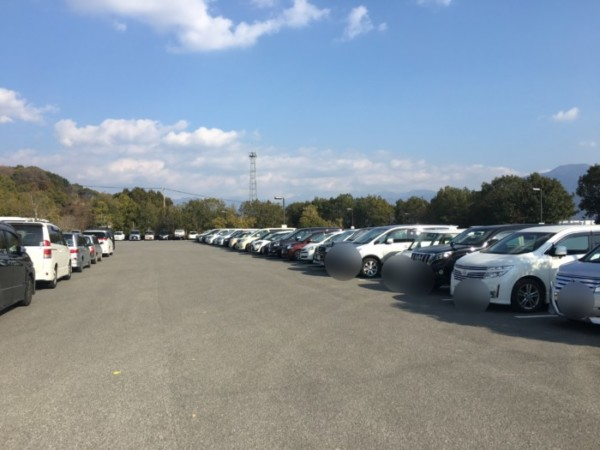 ハロウィンの森(東温市)の第1駐車場