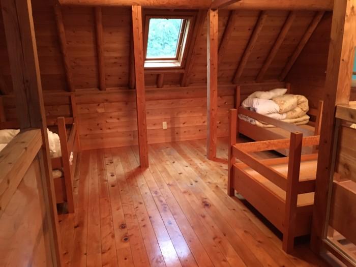 きゃんぱ(明浜)のケビン,2階の寝室のベッドの部屋