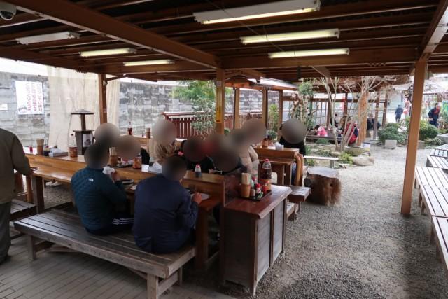 山越うどん(香川)のテラス席