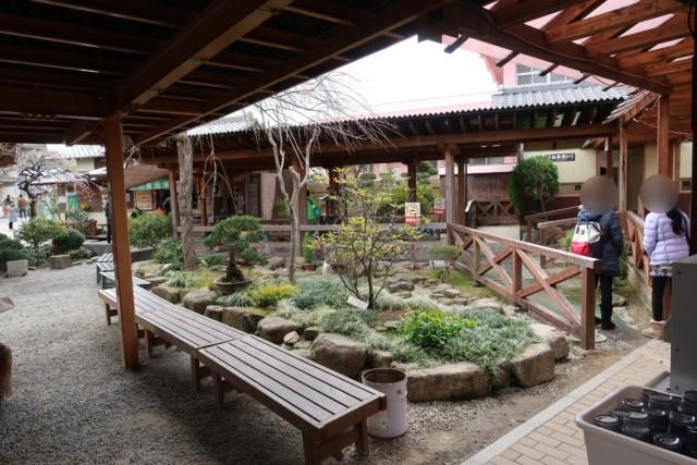 山越うどん(香川)の中庭