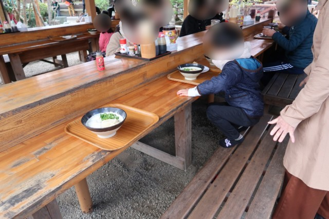 山越うどん(香川)のテーブル席