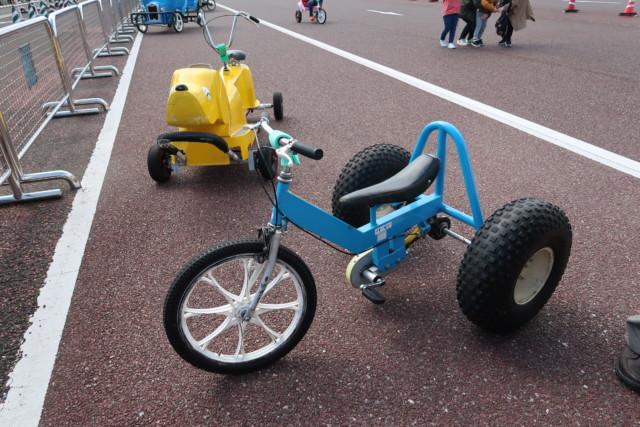 さぬきこどもの国の変わり種自転車,子供が一人で乗れる自転車