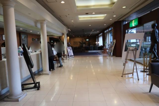 坂出グランドホテルのフロントの様子