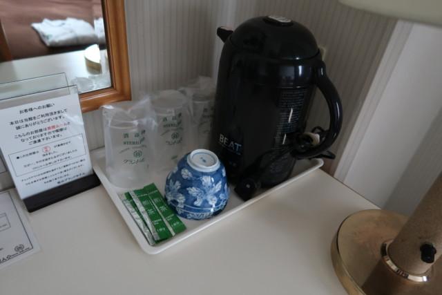 坂出グランドホテルの客室のポット