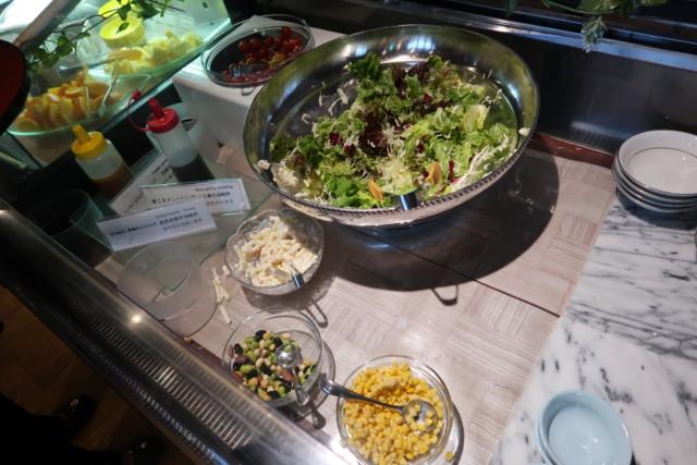 坂出グランドホテル,バイキングのサラダ
