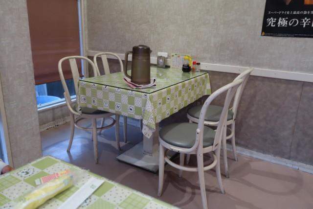 お好み焼きポプラ(松山)のテーブル席