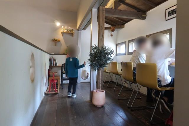 sola(松山)のイートイン席(2階)
