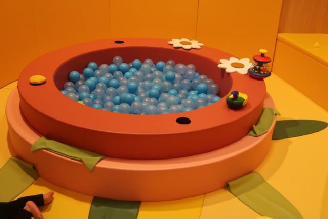 あかがねキッズパークの赤ちゃんのボールプール