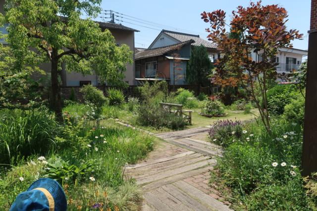 おおず赤煉瓦館の庭の様子