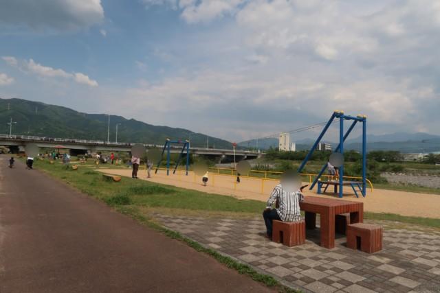 重信川樋口公園の遊具