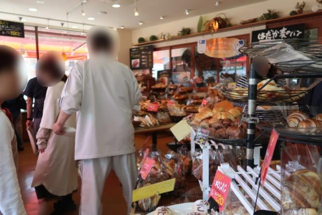 内田パンの店内の雰囲気