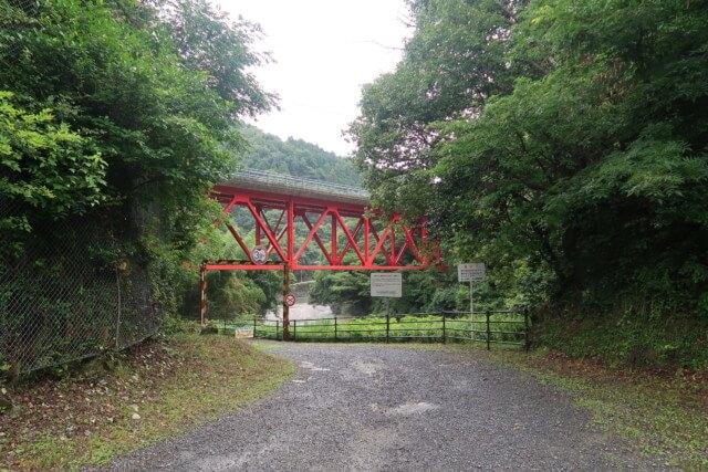 せせらぎ公園(松山市)の近くの橋