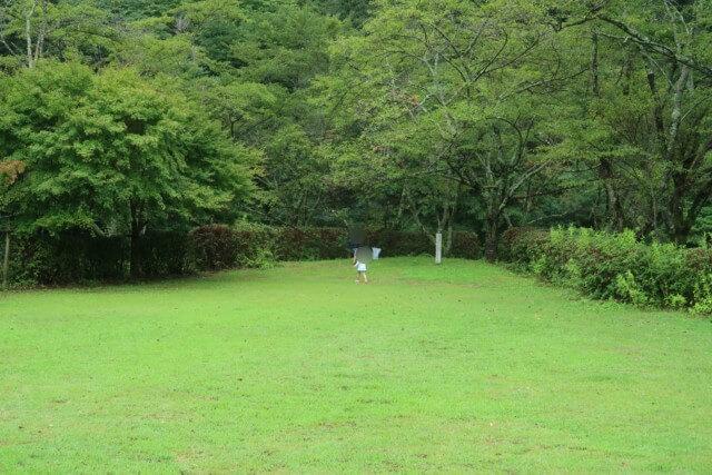 せせらぎ公園(松山市)の芝生広場