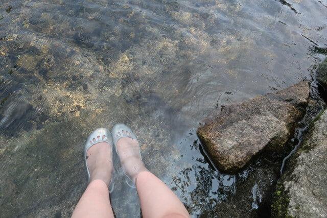 赤坂泉公園(砥部町)の川の深さ
