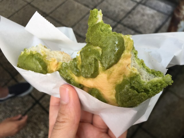 ヨコハマメロンパン松山店の抹茶メロンパン