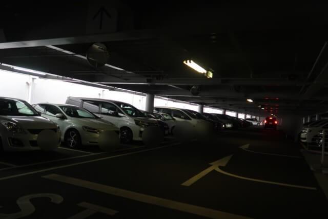 愛媛県総合科学博物館の駐車場