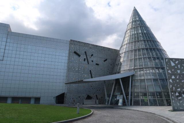 愛媛県総合科学博物館の外観