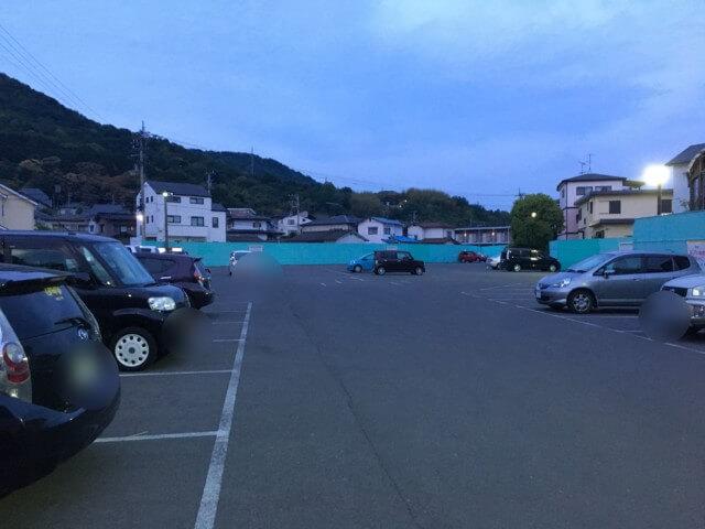媛彦温泉の駐車場
