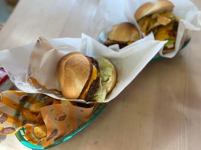 カリフォルニアン,ハンバーガー